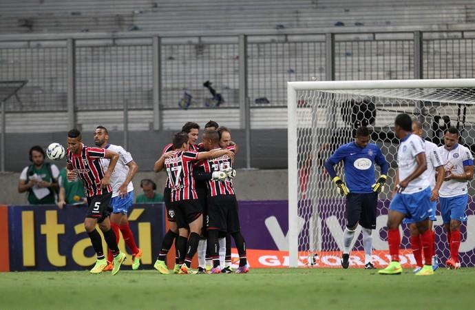 gol São Paulo x Bahia (Foto: Lucio Tavora / Ag. Estado)