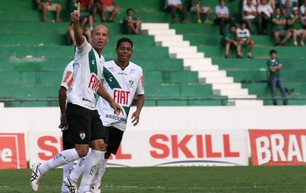 Fabio Júnior gol América-MG (Foto: Luciano Claudino / Ag. Estado)