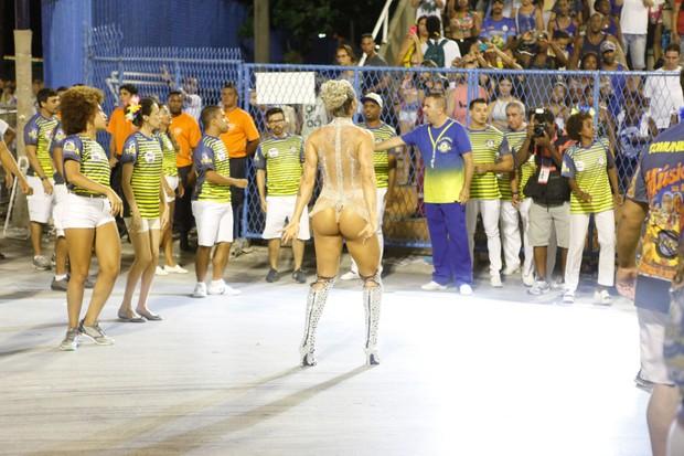 Juju Salimeni em ensaio no Rio (Foto: Anderson Barros / EGO)