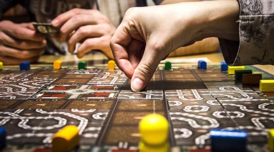 """Uma das frentes de atuação da Sioux é transformar jogos de tabuleiro """"da vida real"""" em games (Foto: Pexels)"""
