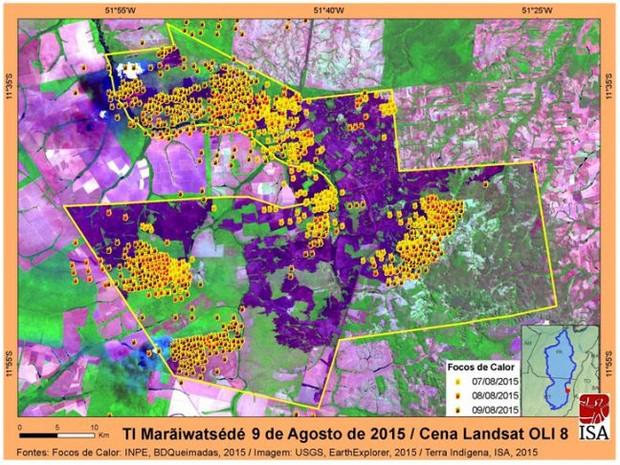Pontos amarelos e vermelhos indicam queimadas na terra indígena Marãiwatsédé. Mais de 47% da área já foram afetados. (Foto: ISA/Opan)