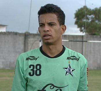 Anderson Peixe, lateral esquerdo do Estrela do Norte (Foto: Reprodução/TV Gazeta Sul)