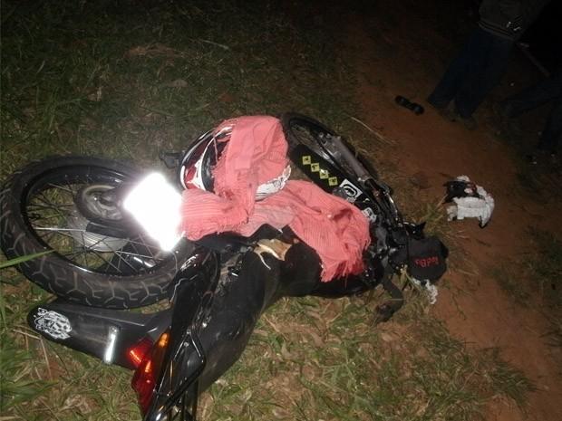 Motociclista morreu ainda no local (Foto: Polícia Rodoviária de Capivari)