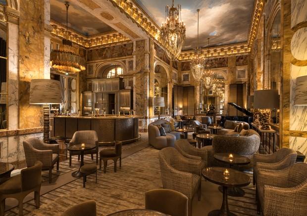 O bar Les Ambassadeurs, no Hôtel de Crillon (Foto:  Divulgação)