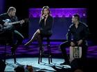 Anitta se apresenta no Grammy Latino com look superdecotado