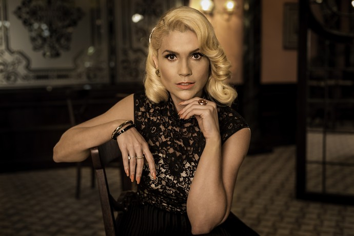 Flávia Alessandra se vistiu como Sandra pela última vez para ensaio exclusivo no Gshow (Foto: Ellen Soares/Gshow)