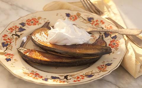 Banana dourada com merengue suíço