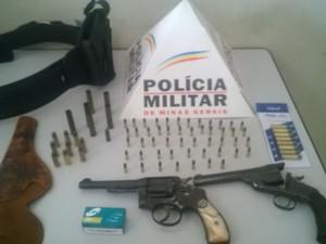 Apreensões realizadas pela PM durante a operação (Foto: Divulgação / Polícia Militar)