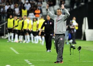 Lisca comanda Inter contra o Corinthians (Foto: Marcos Ribolli)