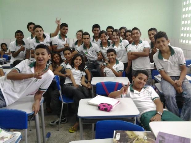 Estudantes da Escola Nazaré Guerra aprovam ações contra a homofobia (Foto: Dario Gomes)