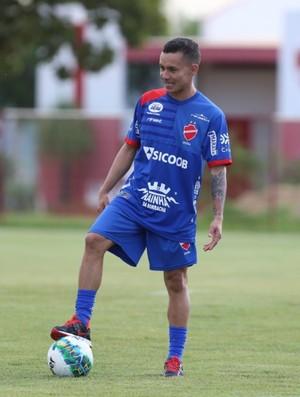 Moisés, atacante do Vila Nova (Foto: O Popular)