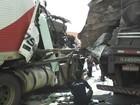 Batida com duas carretas congestiona tráfego na Dutra, em Itatiaia, RJ