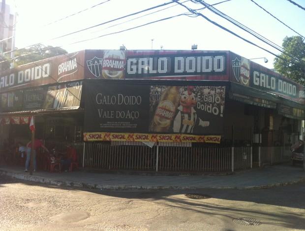 Bar do Galo Doido se prepara para receber cerca de 500 torcedores nesta quanrta-feira (17). (Foto: Patrícia Belo / G1)