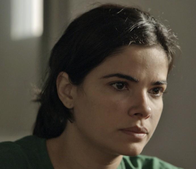 Tóia espera sair da cadeia antes do nascimento do filho (Foto: TV Globo)