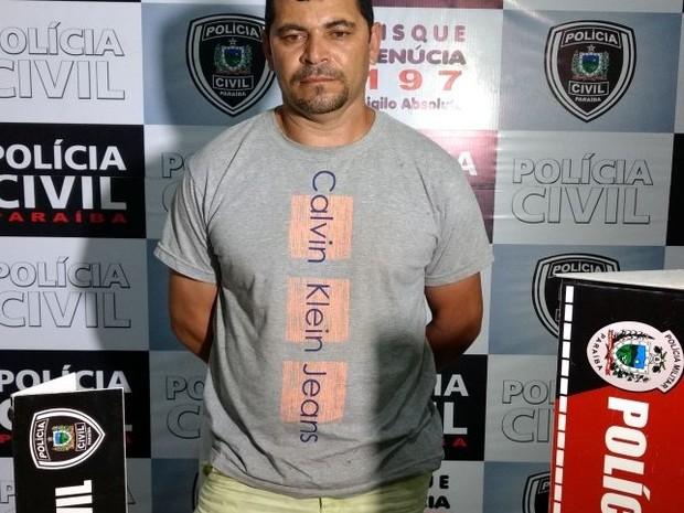 Empresário, acusado de chefiar quadrilha especializada em explosões de caixas eletrônicos, foi preso na cidade de Bananeiras, na Paraíba (Foto: Diogenes Fernandes/Polícia Civil)