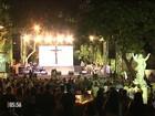 Missa em homenagem a Cristiano Araújo atrai multidão de fãs em Goiás