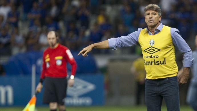 BRASILEIRÃO/CRUZEIRO X GRÊMIO - ESPORTES - O técnico Renato Portaluppi, do Grêmio (Foto: LEO FONTES/O TEMPO/ESTADÃO CONTEÚDO)