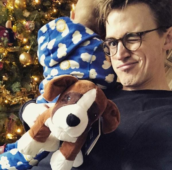 Flecher é pai de Buzz, 2 anos, e Buddt, 8 meses (Foto: reprodução)
