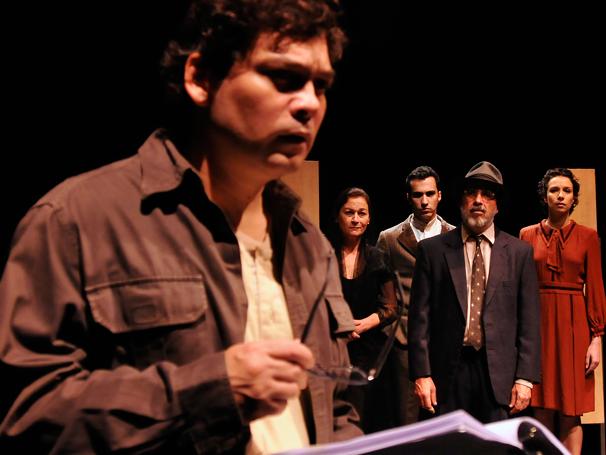 Peça traz nomes importantes da nossa dramaturgia, como Nelson Rodrigues e Martins Pena (Foto: Guga Melgar)