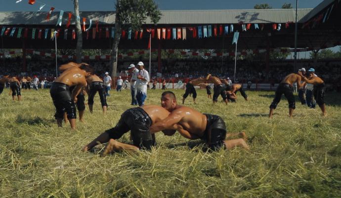 Kirkpinar, jogos do mundo, esporte espetacular (Foto: Reprodução Pindorama Filmes)