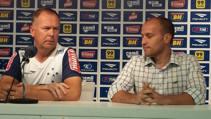 Mano Menezes e Thiago Scuro (Foto: Marco Antônio Astoni)
