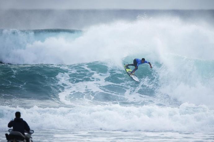 Italo Ferreira em ação nas quartas de final da etapa de Margaret River (Foto: Divulgação)