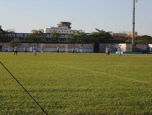 Santos e Ji-Paraná pela quarta rodada do Campeonato Rondoniense Sub-20 (Foto: Larissa Vieira/GLOBOESPORTE.COM)