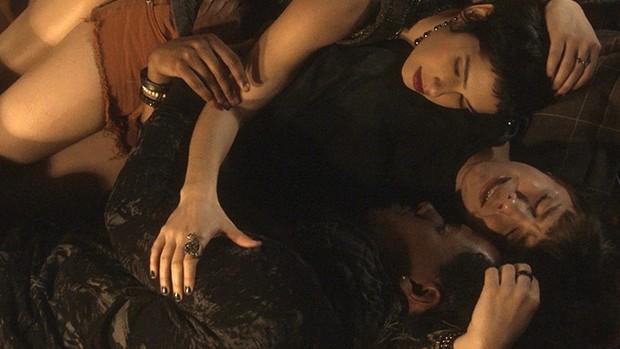 A Lei do Amor: Isabela chora desesperadamente por Tiago  (TV Globo)
