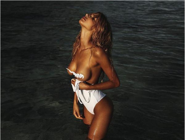 A modelo australiana Sahara Ray (Foto: Instagram)