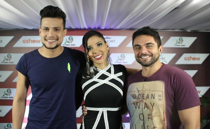 Israel Novais no estúdio Villa Mix no GShow com Niara Meireles e Daniel Viana. (Foto: Luanna Gondim / Gshow)