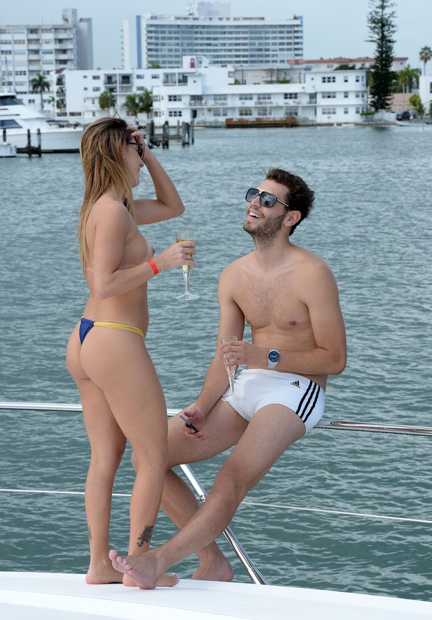 Marianne Ranieri e James Fernandes (Foto: Splash News/Divulgação)