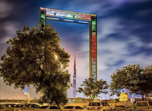 Dubai inaugura porta-retrato gigante com 150 metros de altura (Foto: Reprodução)