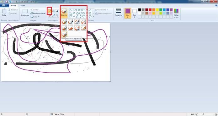 Faça desenhos com lápis e pincel (Foto: Reprodução/Camila Peres)