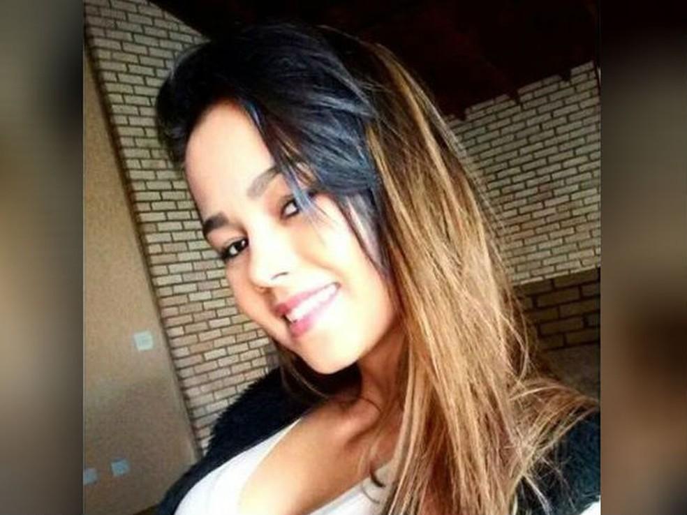 Isabela Ferreira, de 17 anos, desapareceu no sábado (13) em Itu (Foto: Reprodução/Facebook)
