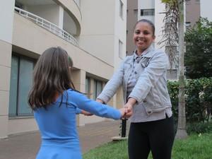 Cecília Jesus Silva diz que, na prática, não consegue fazer uma hora de almoço (Foto: Fabíola Glenia/G1)