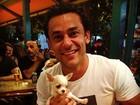 Fred, do Fluminense, publica foto com cachorrinho de estimação