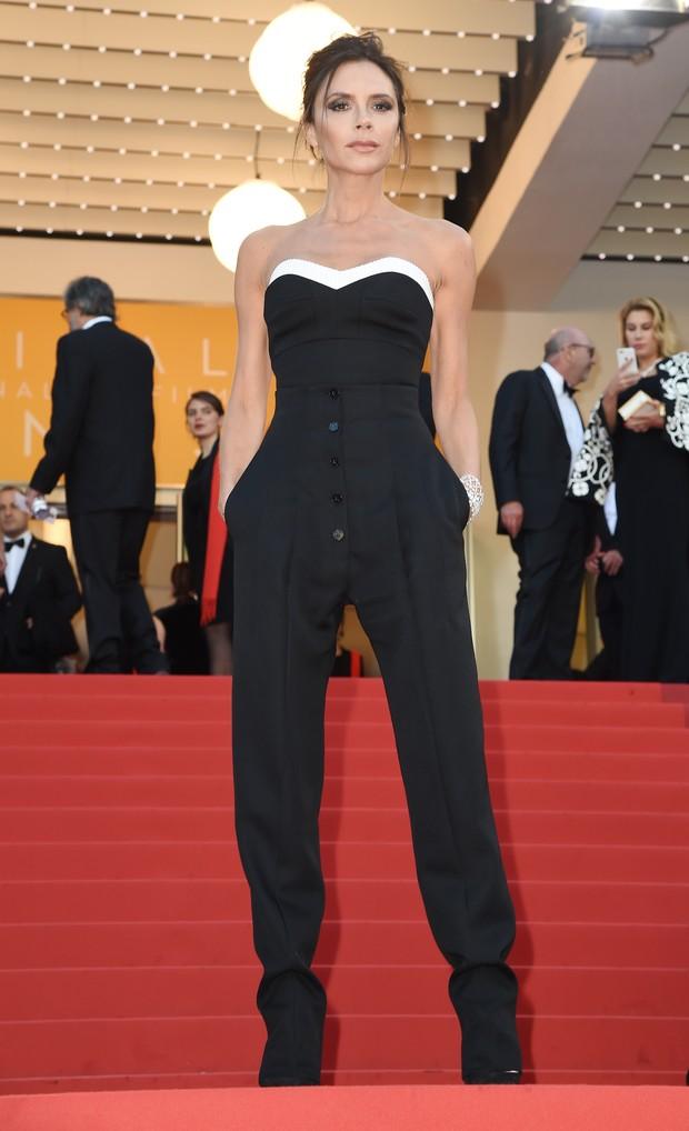 Victoria Beckham na abertura do Festival de Cannes (Foto: AFP)