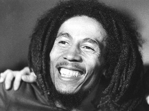 Bob Marley em imagem de 1976.  (Foto: AFP)