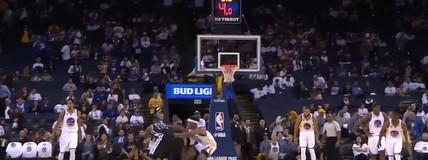 Jonathan Simmons protagoniza a enterrada da noite na NBA