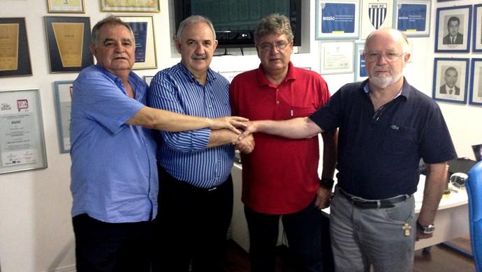 Ênio Gomes, Nilton Macedo Machado, Geninho (Foto: Thiago Pravatto/Avaí F.C.)