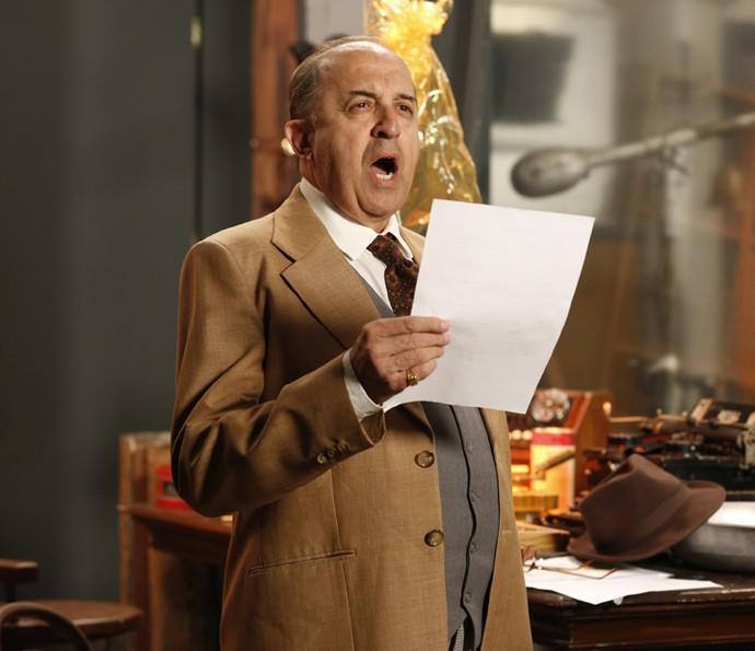 Claudio Tovar interpreta Evandro, o diretor de som da radionovela 'Herança de Ódio' (Foto: Ellen Soares/Gshow)