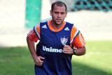 Carlinhos usa medicamento proibido e Flu afasta atleta do jogo contra o Goiás