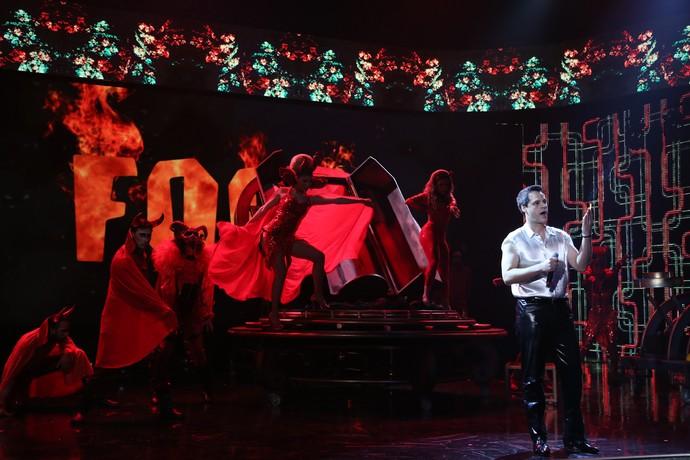 O elemento fogo foi tema da segunda apresentação (Foto: Carol Caminha / Gshow)