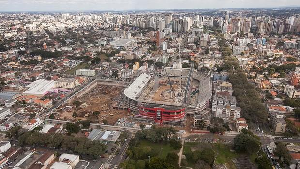Visão aérea das obras na Arena da Baixada no dia 25 de julho (Foto: Site oficial do Atlético-PR/Divulgação)
