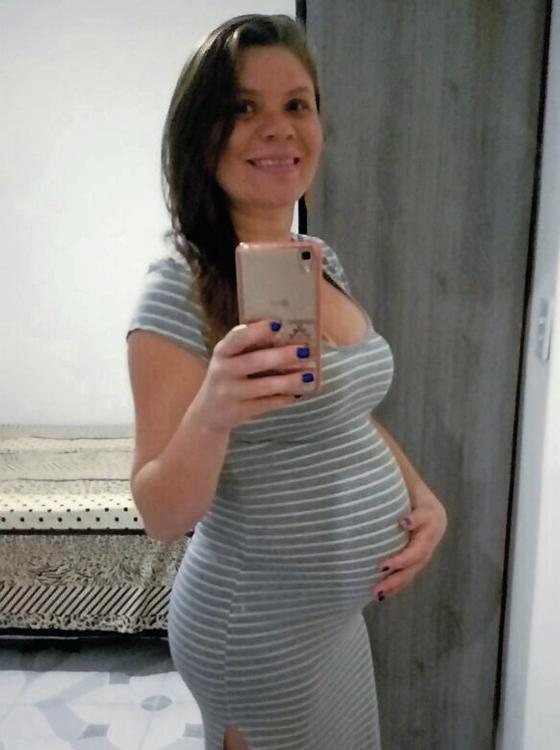 Claudineia,gravida atingida por bala perdida no Rio  (Foto: Klebsom Cosme/AP)