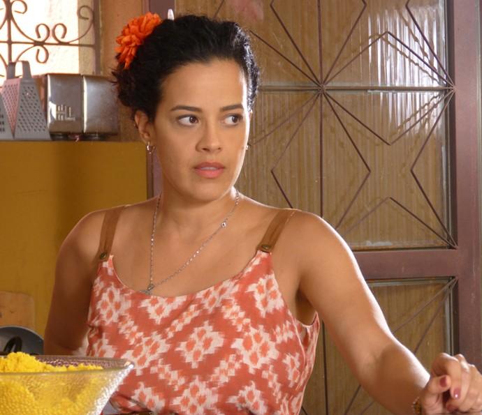 Domingas diz para Gisela que se sente culpado pelo sumiço de César (Foto: Renata Sofia/ Gshow)