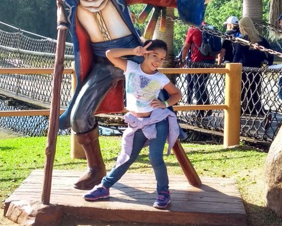 Rachel no parque de diversões, em Santa Catarina (Foto: Arquivo Pessoal)