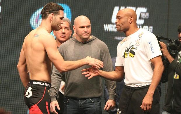 Anderson Silva e Chris Weidman encarada UFC Las Vegas (Foto: Evelyn Rodrigues)