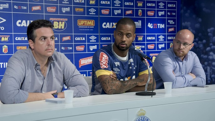 Bruno Vicintim, Dedé e Thiago Scuro, do Cruzeiro (Foto: Washington Alves/Light Press)