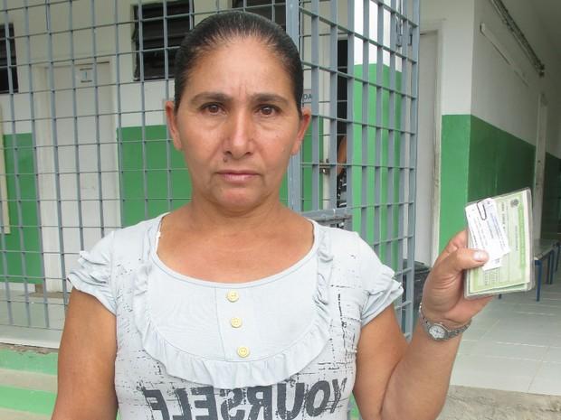Trabalhadora rural analfabeta faz questão de votar na eleições em Eldorado, SP (Foto: Anna Gabriela Ribeiro/G1)